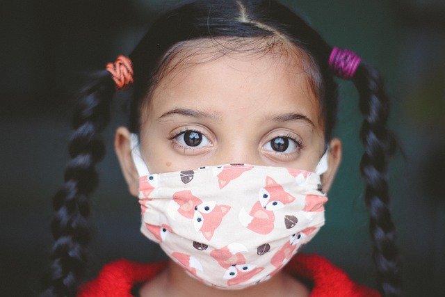 ילדה בחרדה בשגרת הקורונה